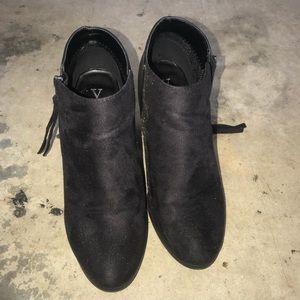 Shoes - Y Not booties sz 8